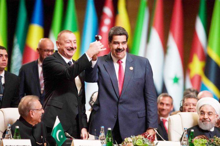 """""""Agresiones económicas"""" son tan letales como las militares, dice Maduro"""
