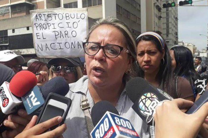 Oro para el chavismo, hambre para los niños, por Naky Soto