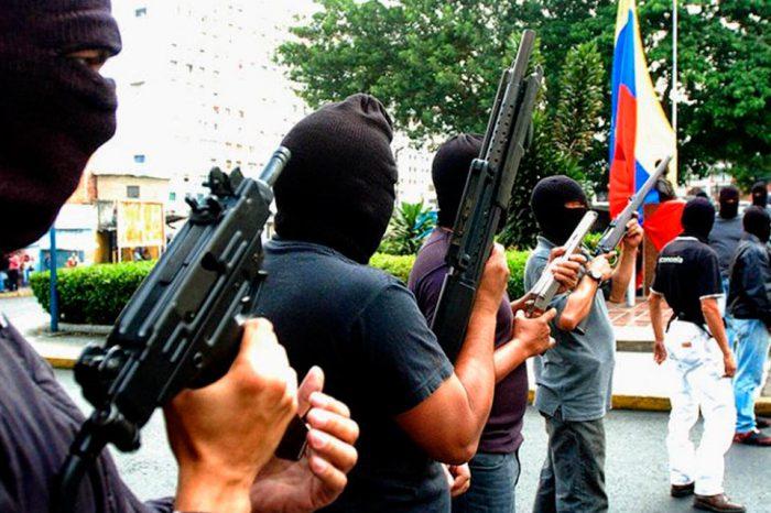Patrioteros armados