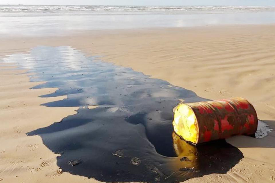 Crudo derramado en playas de Brasil es venezolano, revela Petrobras. Según un informe los residuos son una mezcla de aceites venezolanos Falcón