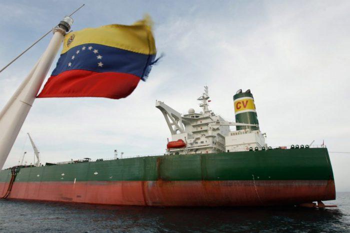 La rusa Rosneft y dos petroleras indias lanzan salvavidas a Maduro