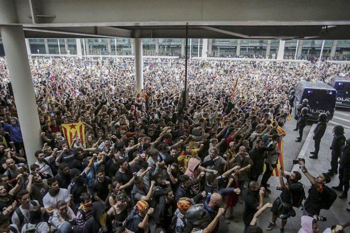 Líderes independentistas catalanes. Las sentencias, que ocurren a pocas semanas de las legislativas, provocaron movilizaciones en Cataluña