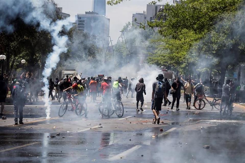 Se eleva a 13 el número de muertos por protestas en Chile