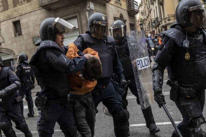 Barcelona vive un domingo de tensa calma tras una semana de protestas