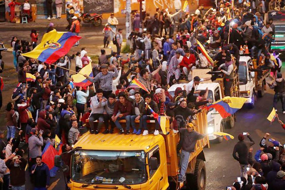 Gobierno y manifestantes dialogan en Ecuador. El Ejecutivo asegura que las primeras reuniones tienen el acompañamiento de la ONU y la Iglesia