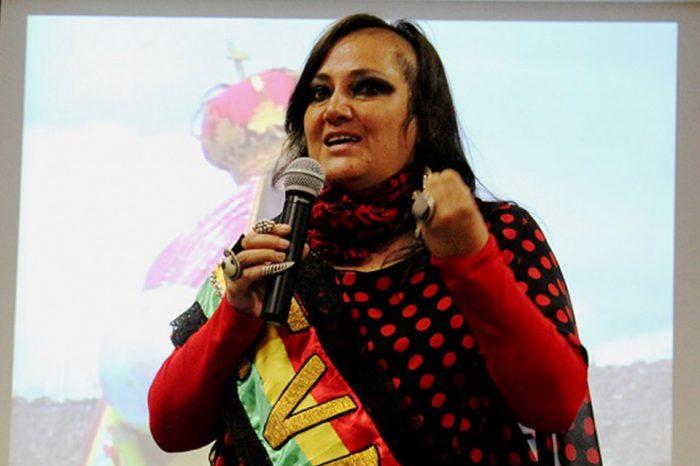 """""""El gobierno de la senadora Jeanine Áñez pende de un hilo"""""""