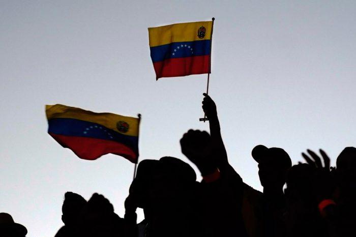 La salida a la crisis tiene que ser democrática, por Griselda Reyes