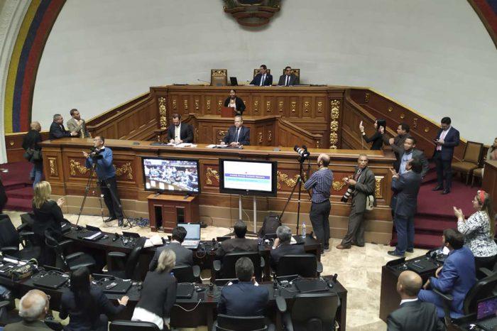 Entre protestas y elecciones se manejan dentro de la Asamblea Nacional