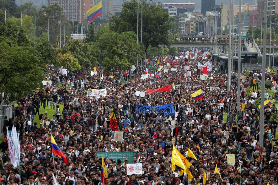 Protesta masiva contra Iván Duque estuvo marcada por algunos incidentes en Bogotá y Cali