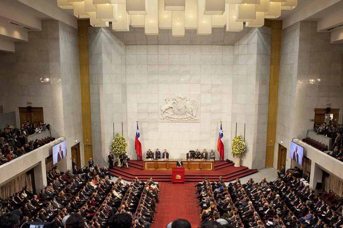Congreso chileno alcanza acuerdo para subir en 50% pensiones mínimas
