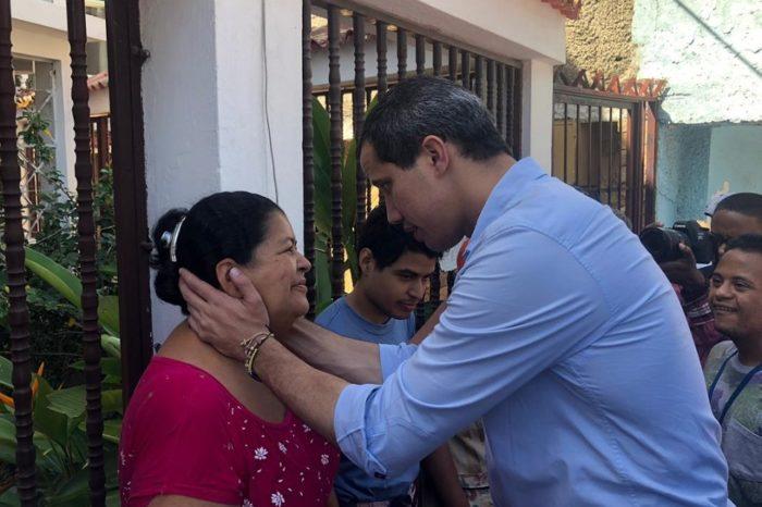 Juan Guaidó realiza recorrido en La Guaira llamando a la unión y la movilización
