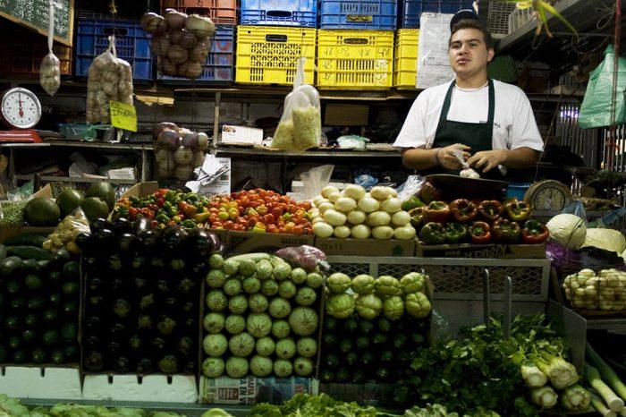 Se necesitan casi dos millones y medio de bolívares diarios para comer