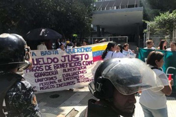Enfermeras de la Maternidad Concepción Palacios se sumaron al paro de 48 horas
