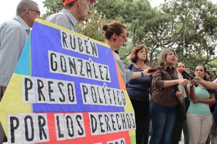 Trabajadores piden al Ministerio Público que revise caso del sindicalista Rubén González