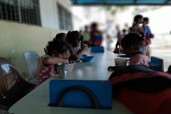 Niños y ancianos de Vargas tienen al menos dos comidas seguras a la semana
