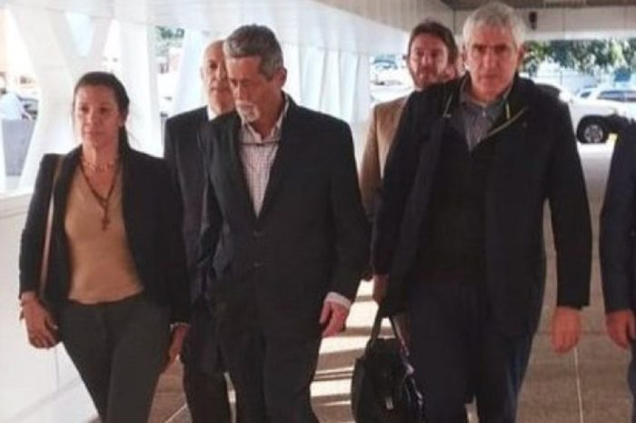 """Italia dice que salida de diputados Magallanes y De Grazia fue por razones """"humanitarias"""""""