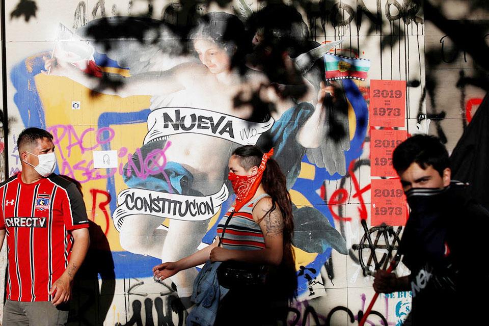 Gobierno chileno acepta iniciar ruta para una nueva Constitución