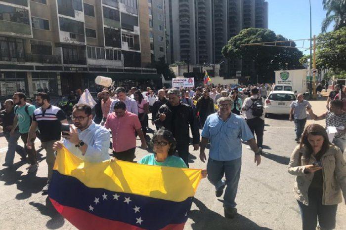 PNB reprime a manifestantes en la avenida Libertador