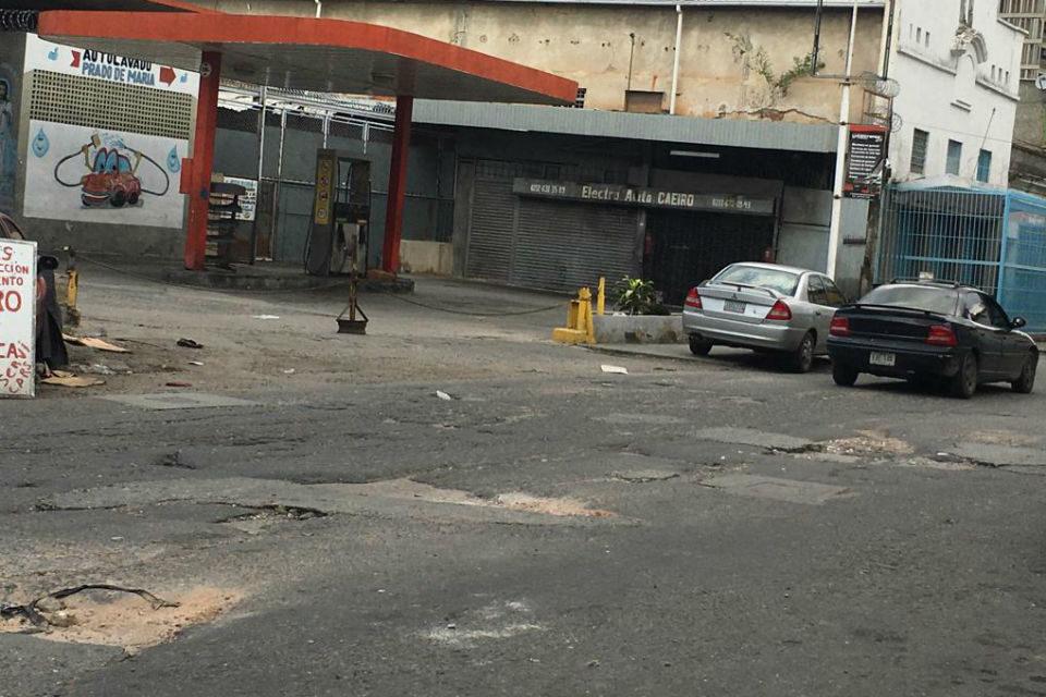 Huecos en avenida Capitán Felipe Esteves, Prado de María