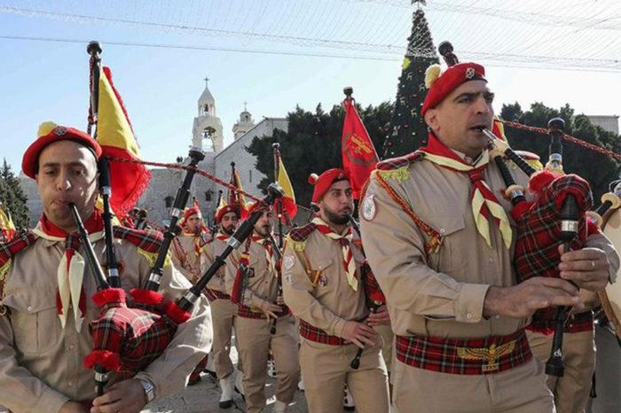 Miles de peregrinos llegan a Belén para celebrar Navidad
