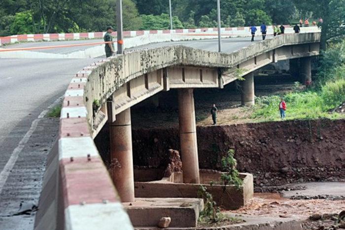 En Táchira un puente de Táriba cumplió un año de haberse caído