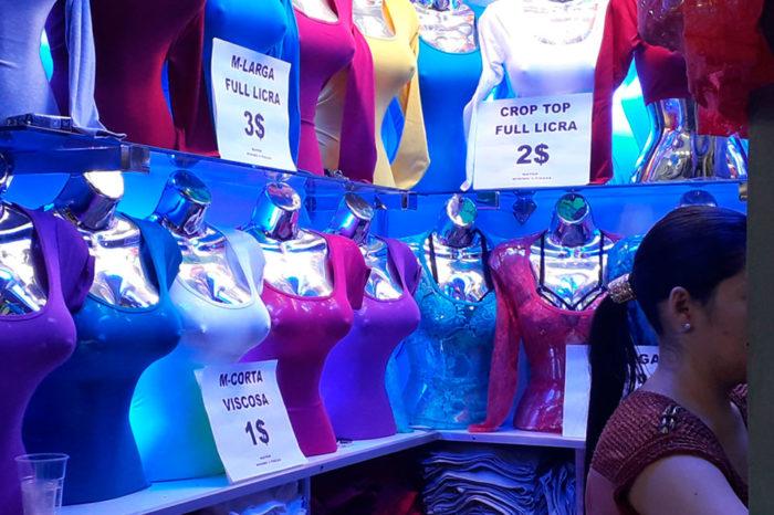 Comercios exhiben sin disimulo precios en dólares y el bolívar queda de segundón