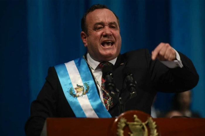 """Nuevo presidente de Guatemala rompió relaciones con el """"régimen"""" de Maduro"""