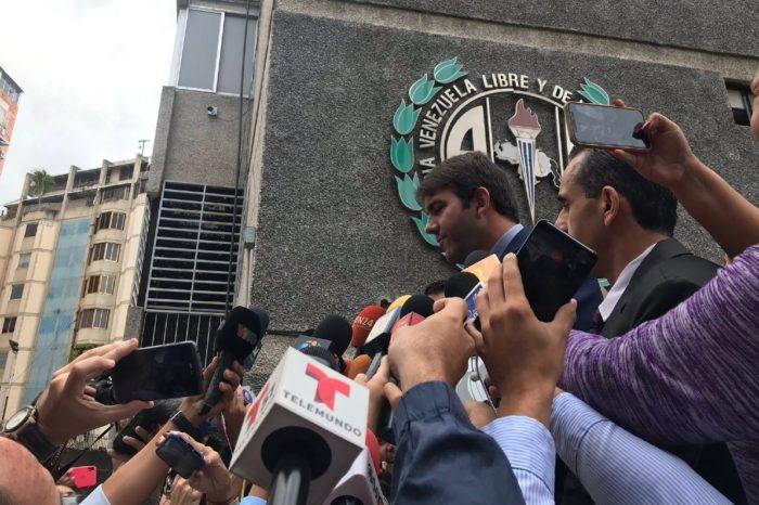 Carlos Prosperi dice que agresión de colectivos es un crimen de lesa humanidad