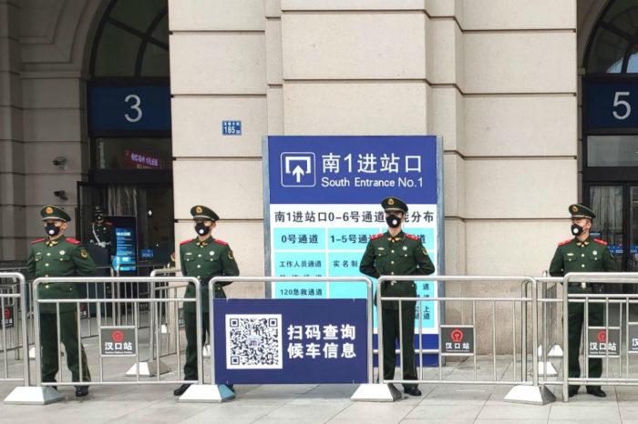 China amplía la cuarentena a tres ciudades por caso de coronavirus