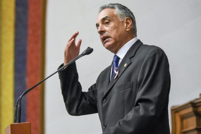 """Rafael Veloz: """"Vamos a ir a nuestra sede natural y tratar los problemas de la gente"""""""