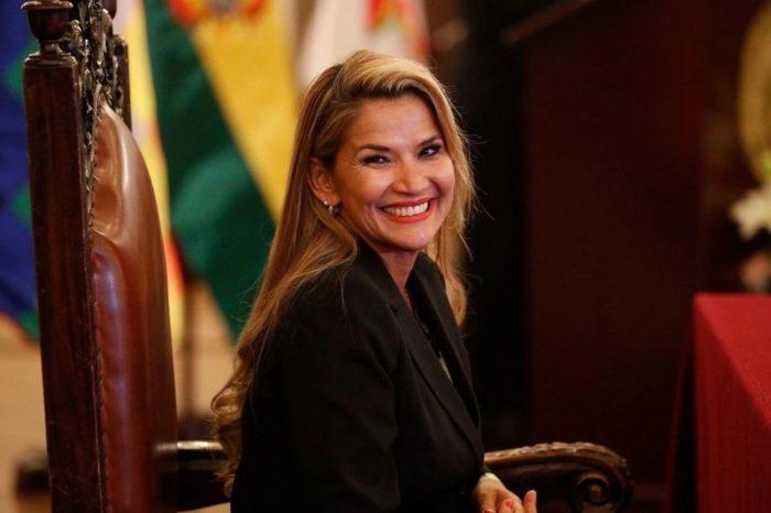 Jeanine Áñez rompe con los rumores y anunció su candidatura a la presidencia de Bolivia