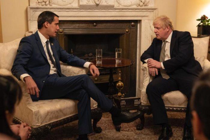 Guaido Boris Johnson