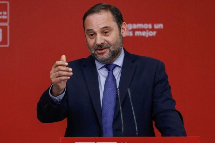 Medios españoles aseguran que ministro Ábalos sí se reunió con Delcy Rodríguez en secreto