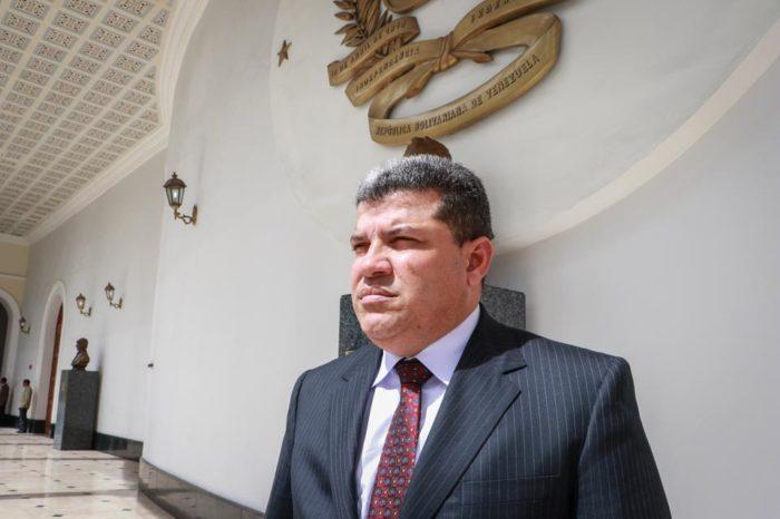 Parra investigará golpe de estado, pero no recompensa por Maduro