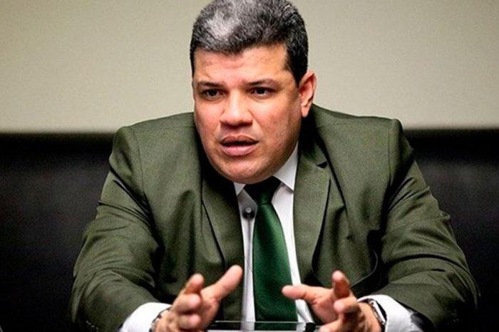 Diputado Luis Parra solicita flexibilizar sanciones para atender emergencia