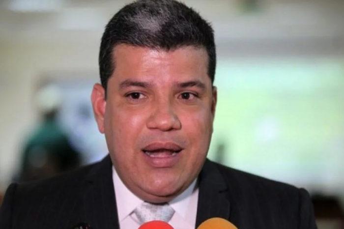 Luis Parra desterró a Guaidó y dijo que forma parte del pasado de la AN