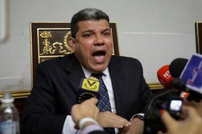 Luis Parra: Exigimos a Nicolás Maduro que venga a darle la cara al Parlamento
