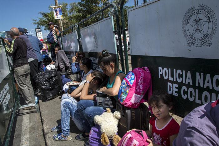 Migrantes venezolanos podrán entrar a sistema subsidiado de salud de Colombia