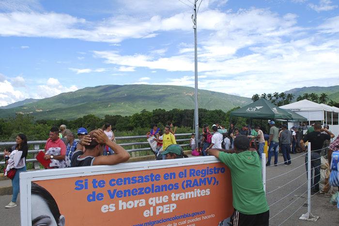 Colombia dará permiso de permanencia a venezolanos que llegaron antes del #29Nov