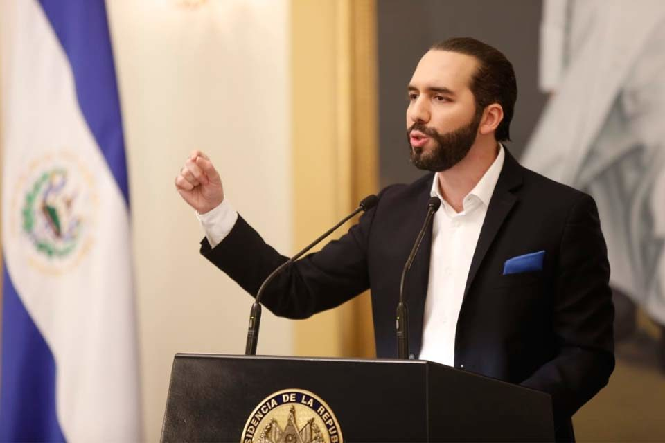 Nayib Bukele | presidente El Salvador - a julio borges