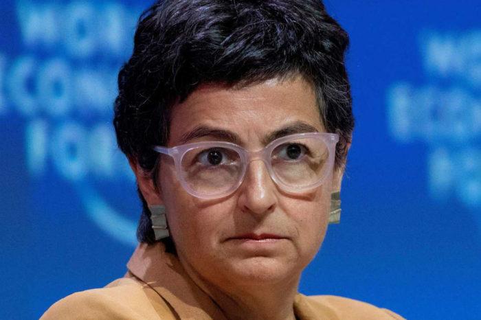 Canciller española dice que empresa confirmó tarde vuelo de Delcy Rodríguez a Madrid