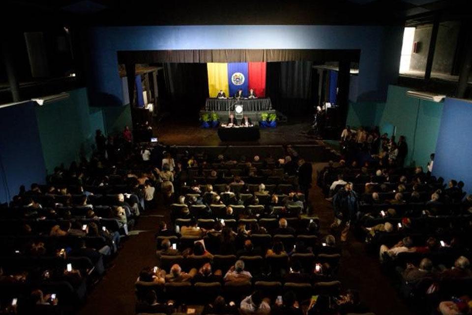 Asamblea Nacional Los Salias mujer