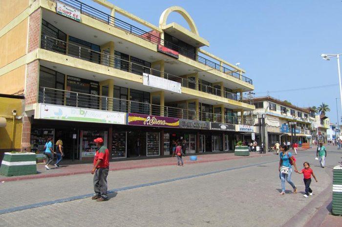 Centros comerciales de Barcelona se quedan sin locales abiertos