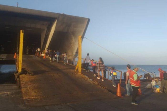 Única embarcación operativa de Conferry quedó a la deriva por unas horas