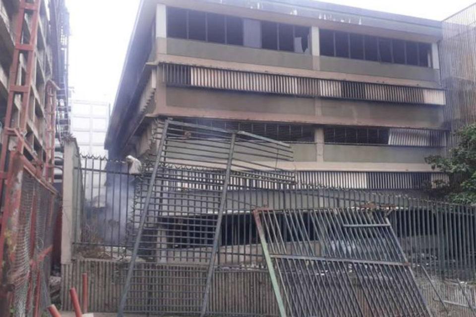 Un incendio devora edificio judicial Ciudad Lebrún