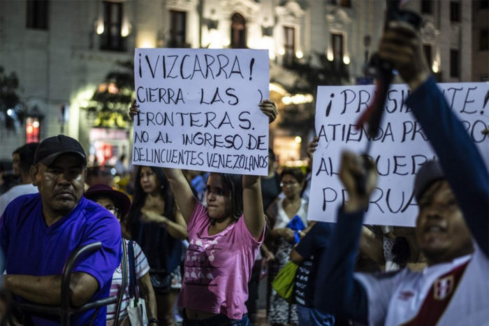 Peruanos protestan para exigir que se prohíba el ingreso a venezolanos