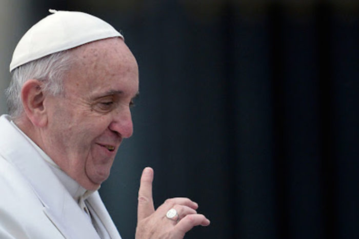 Papa Francisco dice no al sacerdocio de hombres casados