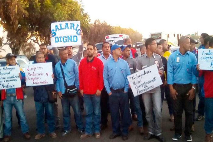 Fuerza represiva de Maduro intenta liquidar protesta laboral en la antigua Sidetur