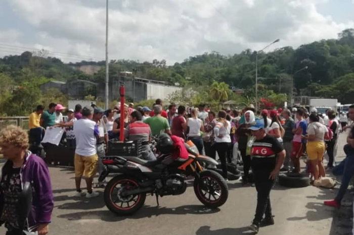 Ineficiencia de servicios públicos dispara protestas en diversas zonas de Caracas