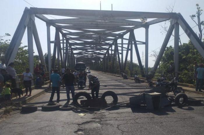 Protestas se activan en Táchira tras sufrir más de 30 horas sin servicio eléctrico